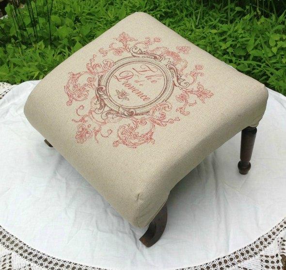 stool front angle mustard