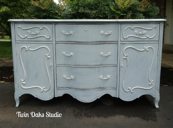 blue buffet front